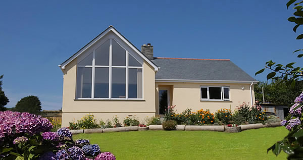 Landaviddy Farm offers bed and breakfast accommodation just a short walk from Polperro